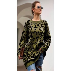 Leopard Print Crewneck Tunic Sweater in Green
